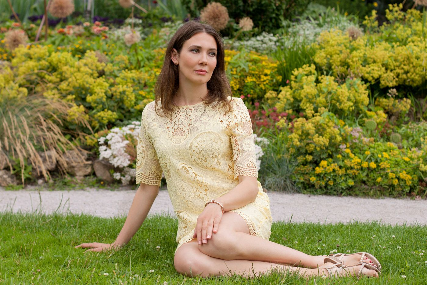 Vanilla Zara Dress - More to see on my blog: http://www.moodforstyle.de/outfit-vanilla-zara-dress/