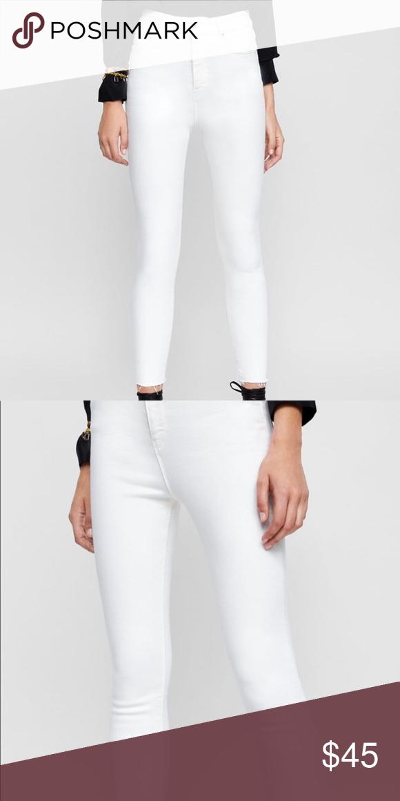 4c033098 ZARA 80s High Rise White Denim Skinny XS/26/0-2 These have some stretch -  killer feel. Zara Jeans Skinny