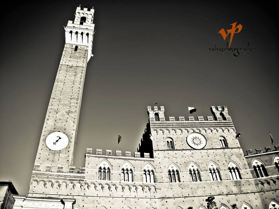 Palazzo pubblico. Foto di Velvet Photographer su https://www.facebook.com/VelvetPhotographer