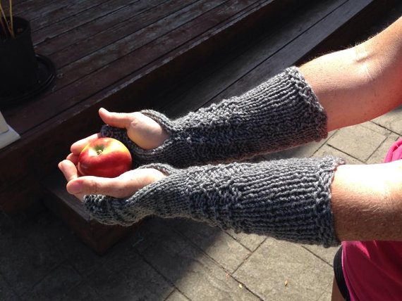Outlander Claire Mitts, Fingerless Gloves, Handmade, Knit, Wrist Warmers, Texting Gloves, Arm Warmers