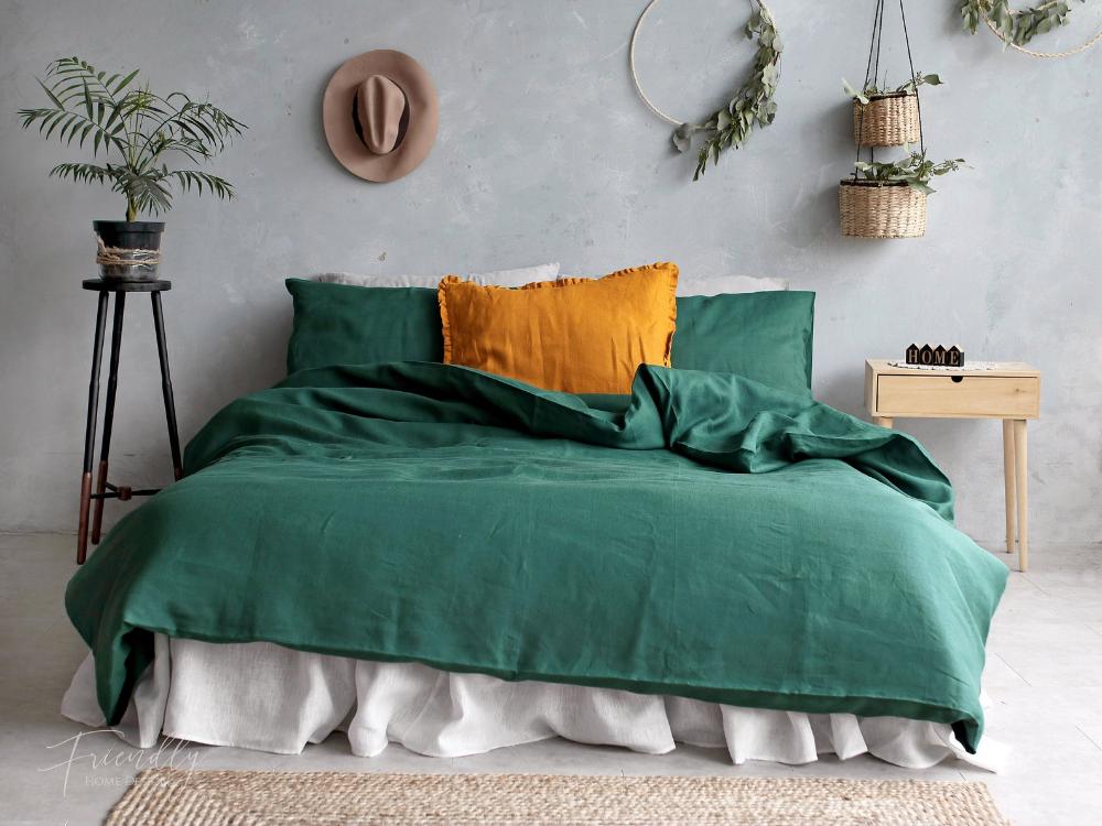 Green Linen Bedding Set Emerald Green Linen Bedding Green Etsy In 2020 Green Bedding Green Duvet Bed Linen Sets