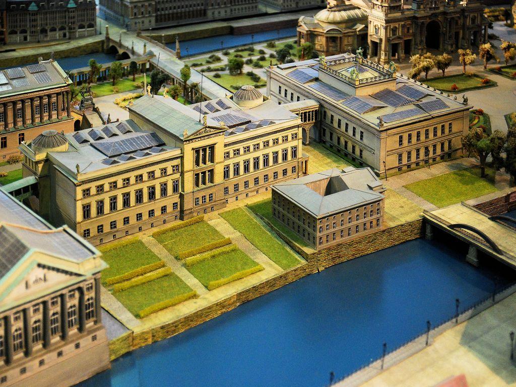 Berlin Museumsinsel Modell Mit Hauptstempelamt Despackhof 1832 Architecture Berlin Hometown