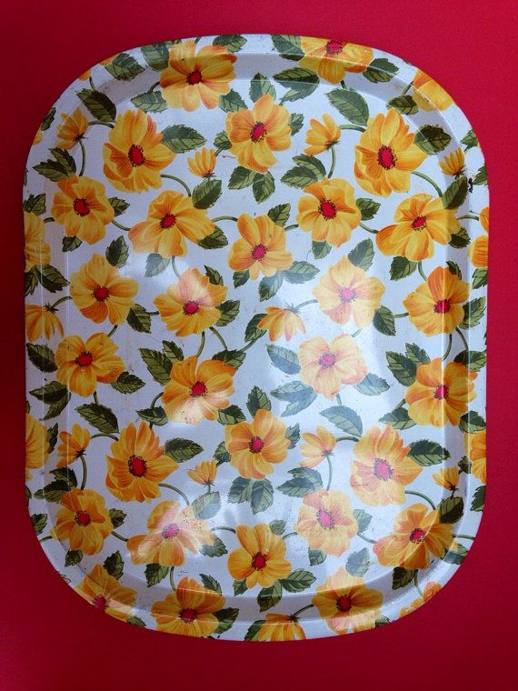 1960s Worcester Ware Metal Tray with Yellow Flower by TheFidorium