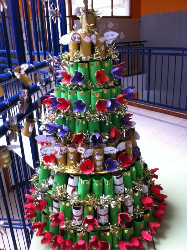 Xmas Tree Made With Toilet Paper Rolls And Eggs Card Boxes Made By Guaci S School Team Egg Card Easter Cards Christmas Crafts