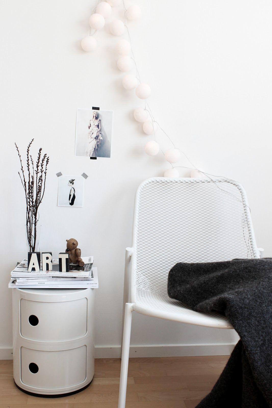 Via etthornaveden white componibili by kartell nordic for Decoration kartell
