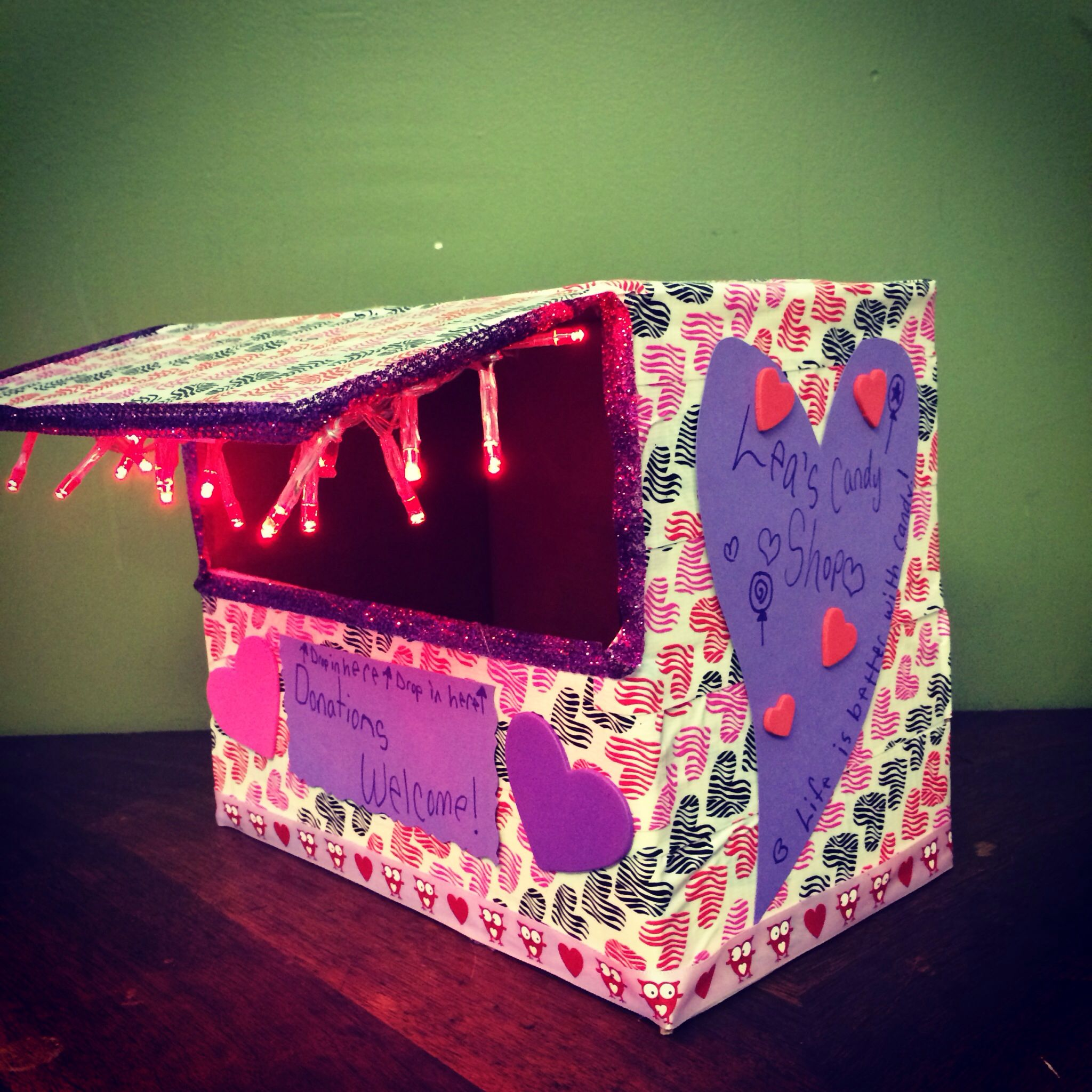 Valentine 39 s day card box carnival booth usps box duct for Battery operated lights for craft booth