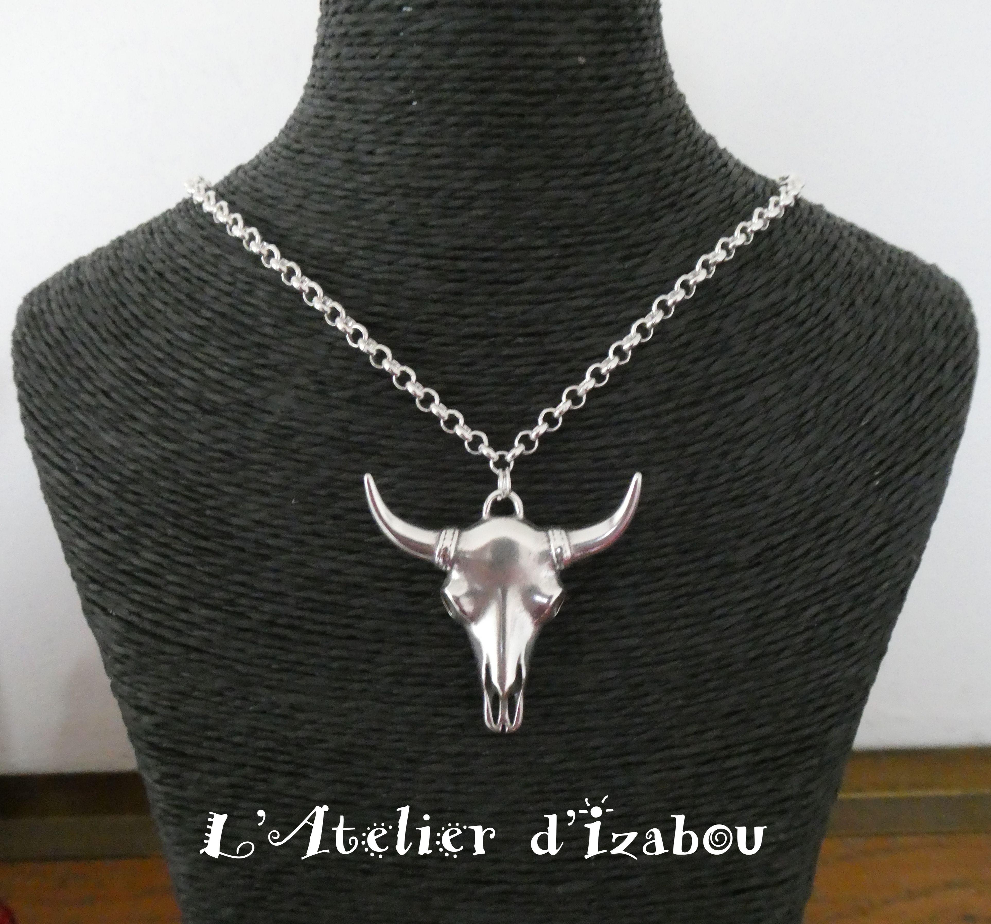 collier princesse cha ne ronde et pendentif t te de buffle collier pinterest collier. Black Bedroom Furniture Sets. Home Design Ideas