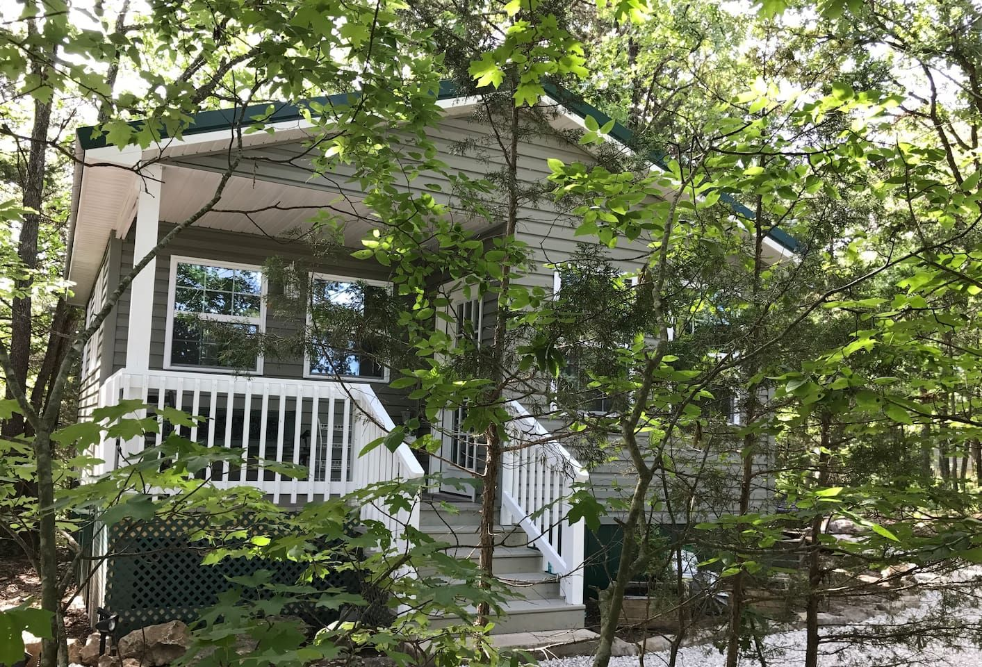Cozy woodland cottage guesthouses for rent in wheatland