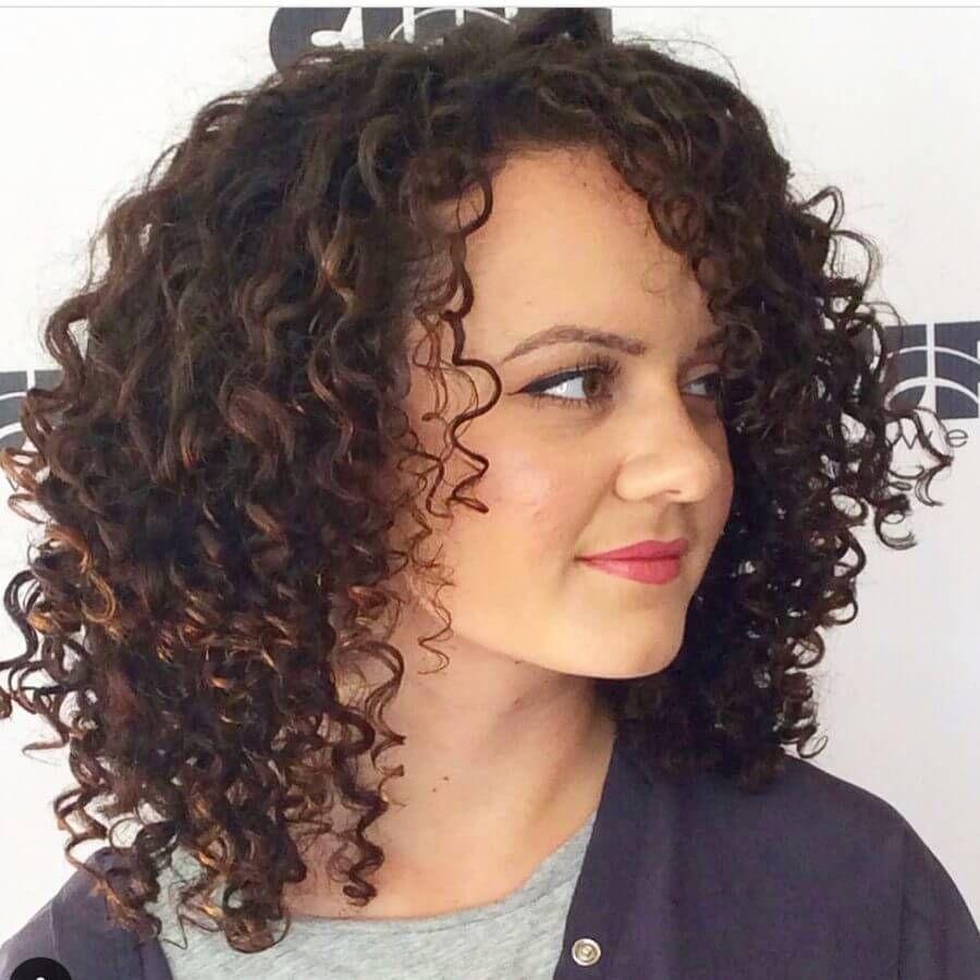 30 best curly hairstyles for medium hair shoulder length