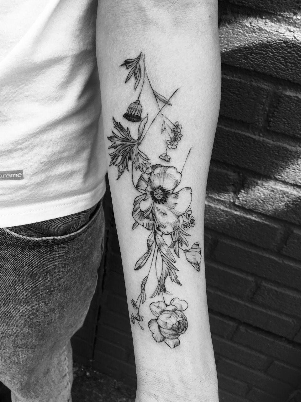 Stippling tattoo, Cosmos