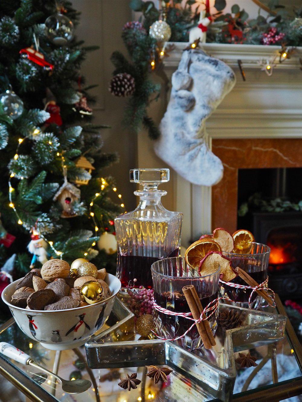 7 Simple Christmas Styling Ideas For Festive Instagram Pictures Melanie Lissack Interiors Orange Christmas Simple Christmas Christmas