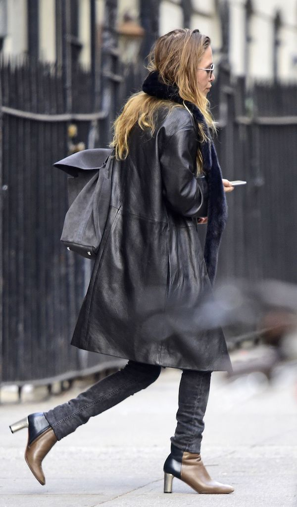 Olsens Anonymous Blog Mary Kate Olsen Twins Navy Fur Scarf The Row Leather Coat Suede Backpack Grey Jeans Two Toned Color Block Boots