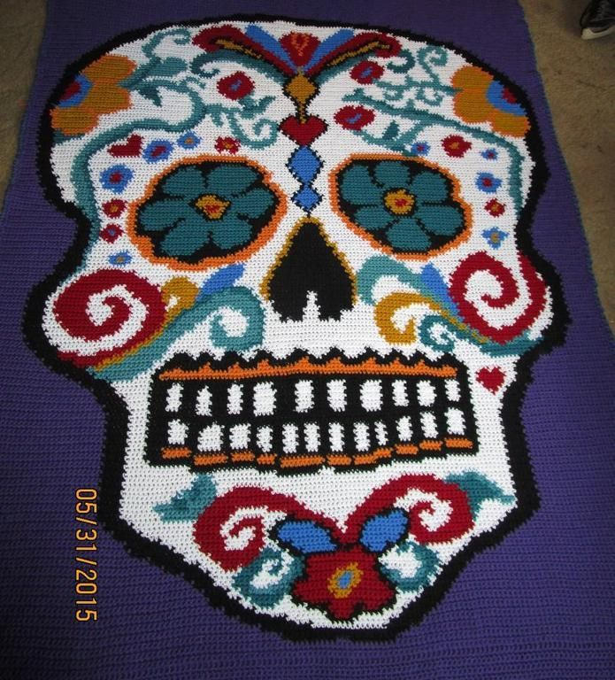 OMG! This is Terrific! Crochet pattern of Sugar Skull... I guess ...
