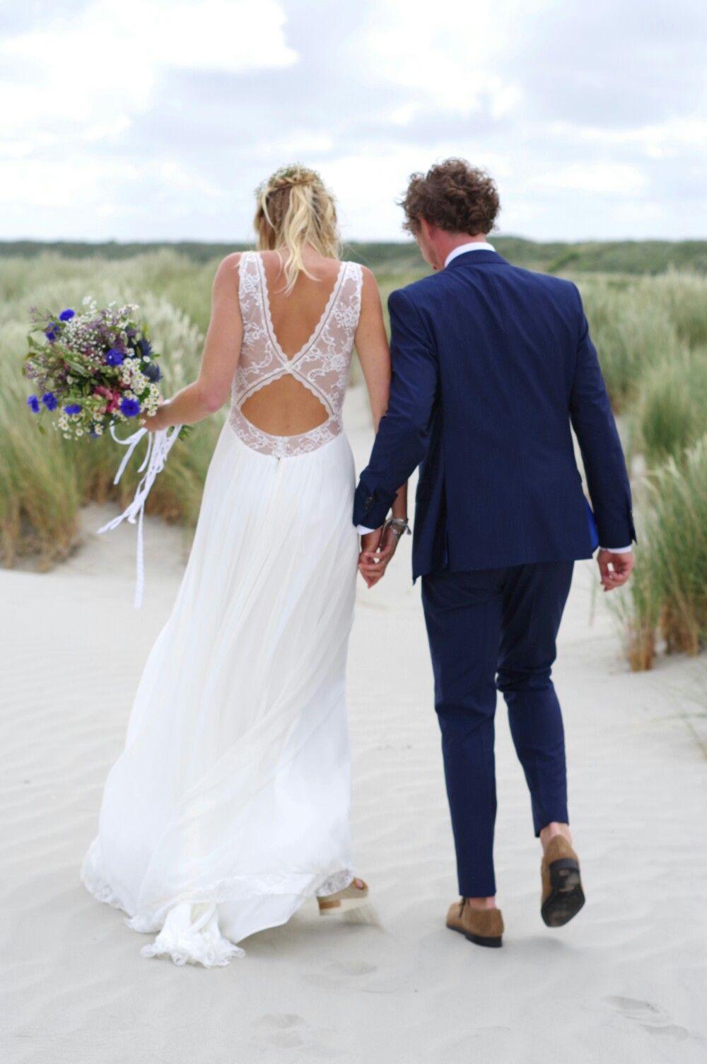 Schiermonnikoog-beach-wedding! Dress: Rembo Styling, First