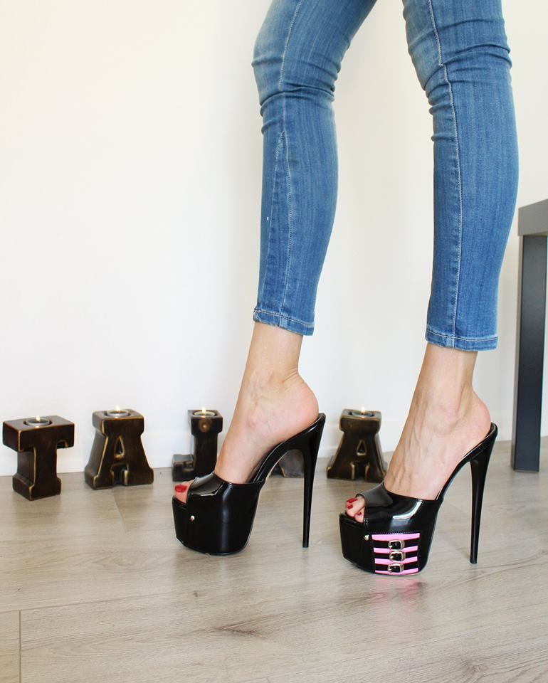 pin by shattenjager on gorgeous heels in 2018 pinterest. Black Bedroom Furniture Sets. Home Design Ideas