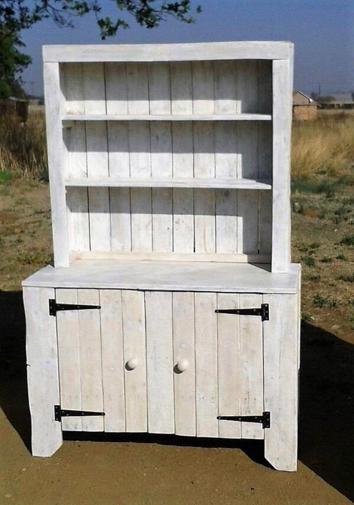 Its easy to recycle shipping pallets estate for Pallet arredamento