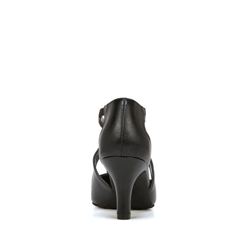 d34291b5a04 Lifestride Women s Kalika Medium Wide Pump Shoes (Black)