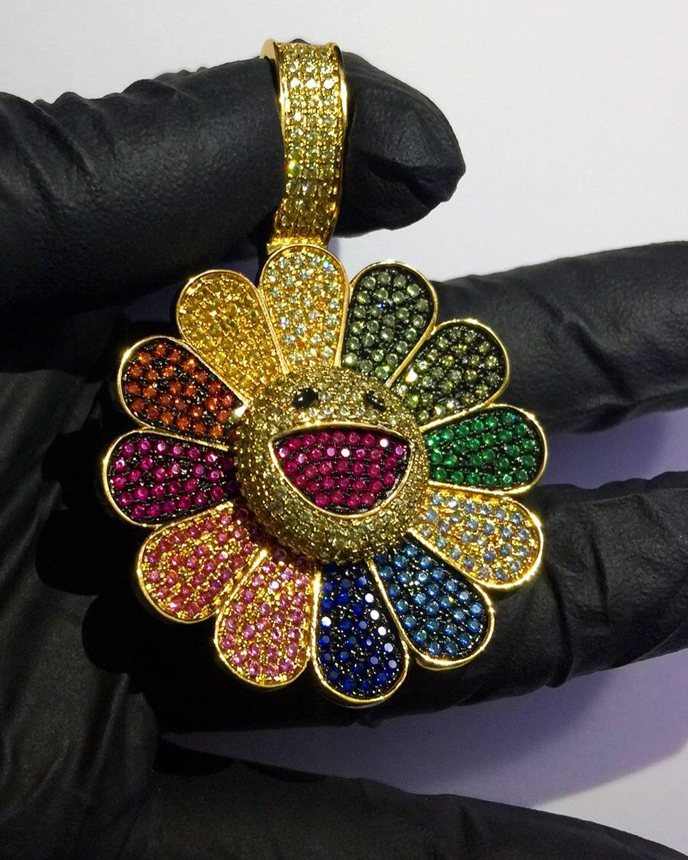 Pin By Christine Scarbrough On Styl N Spinner Pendant Murakami Flower Jewelry