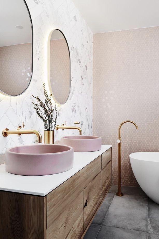Pin By Olivia Cabello On Antique Vintage Furniture Bathroom Interior Design Bathroom Interior Bathroom Decor