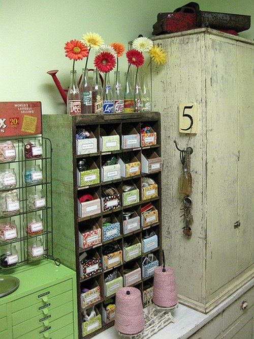 """love the little drawers..... and a """"5"""" !!! <3 <3 and bottles w/ flowers!!! eeeEEeee!!!"""
