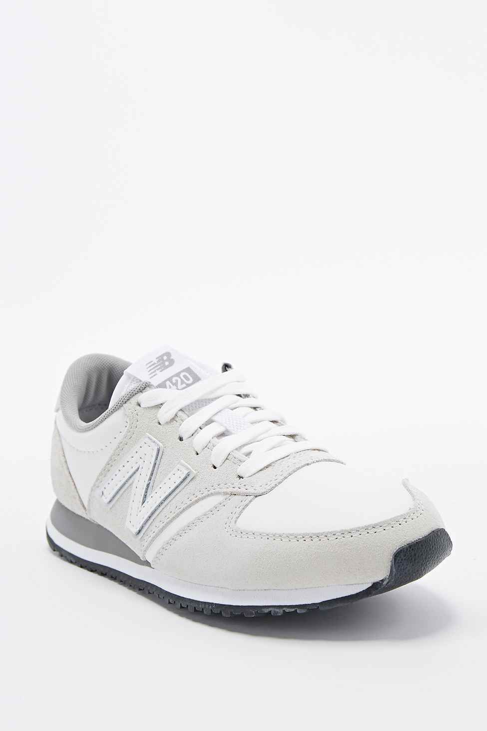 premium selection f4eb8 41beb New Balance 420 Suede Runner Trainers in White