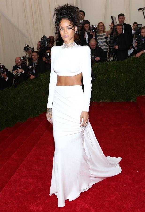 Robe blanche simple deux pièce à manche longue Rihanna Met Gala 2014