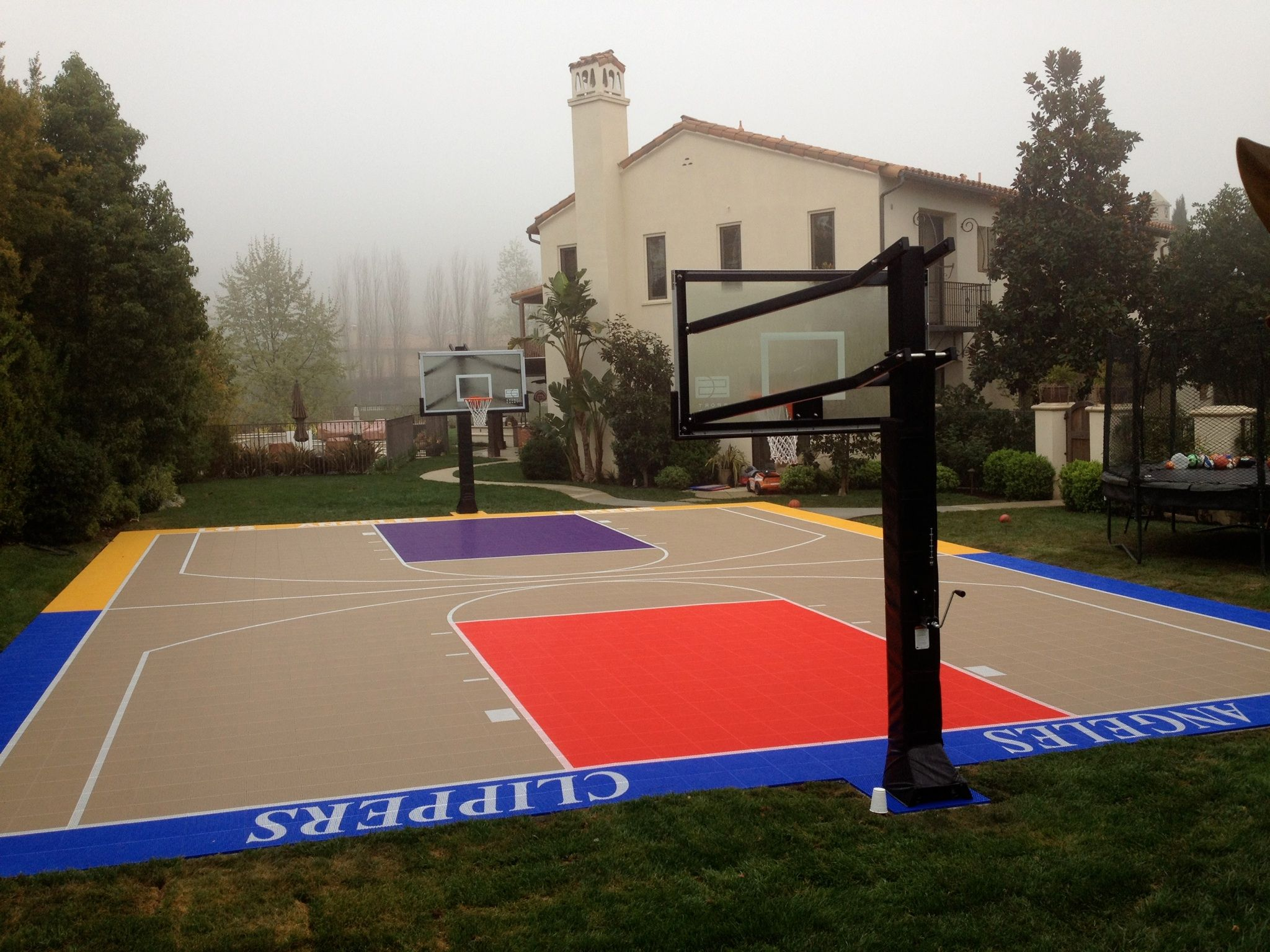this court was the perfect match for a split fan family check out