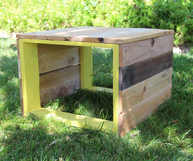 gartenm bel aus paletten kreatives upcycling im garten hocker upcycling und gartenideen. Black Bedroom Furniture Sets. Home Design Ideas