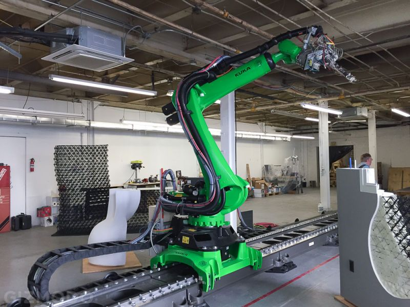 The Worldu0027s Biggest Free Form 3D Printer Is Being Used To Build Houses