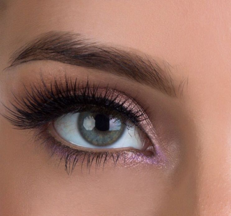 Get dramatic lash extensions that will make an impression ...