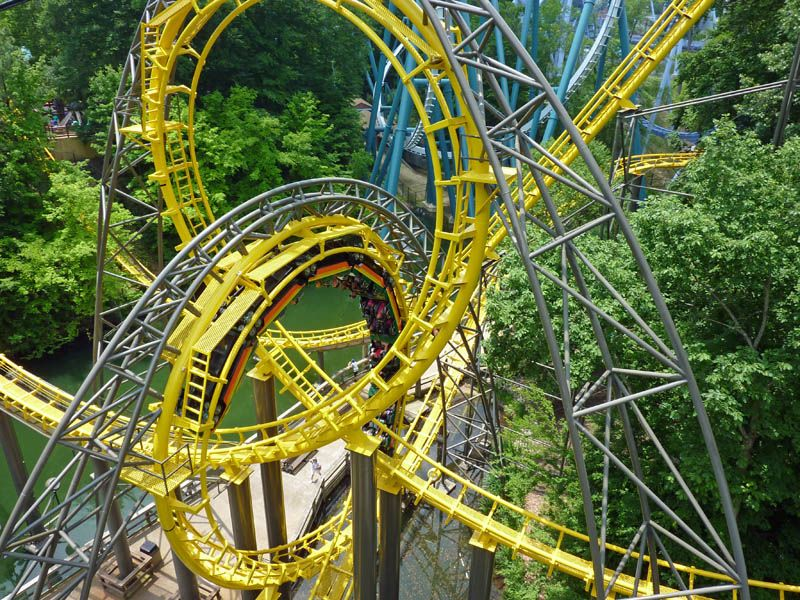 Loch Ness Monster (Busch Gardens Williamsburg) - Looks cool, but ...