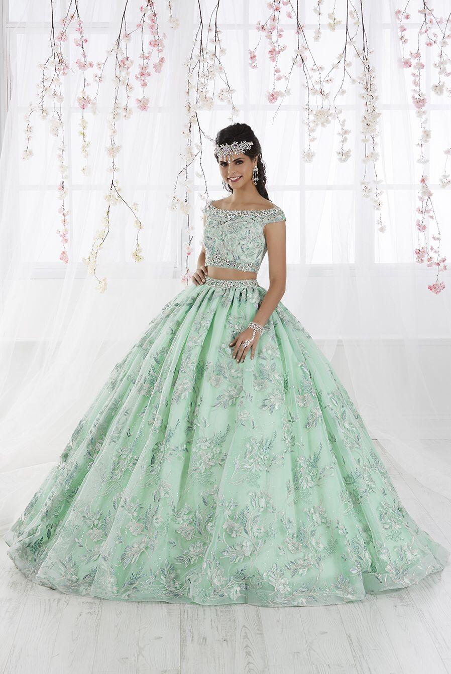 22a11e99dd9 Quinceanera for  prom2019