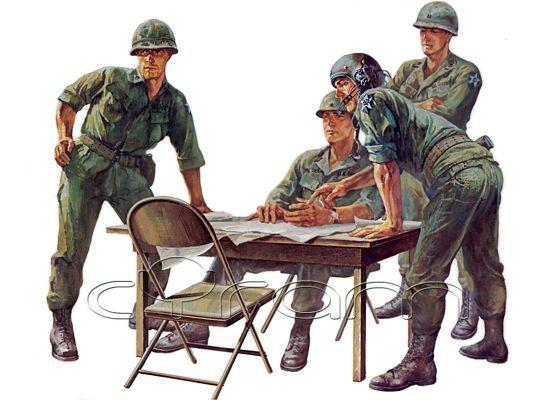 1:35 U.S. Command Figure Set | Tamiya Military Miniatures | http://www.cyram-entertainment.de/shop/products/Modellbau/Militaer/Figuren/2-Weltkrieg/US-Command-Figure-Set.html