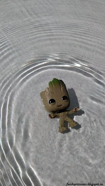 Photo of Baby Groot schwimmt auf seinem Disneyland-Abenteuer #Iamgroot #guardiansofthegal …