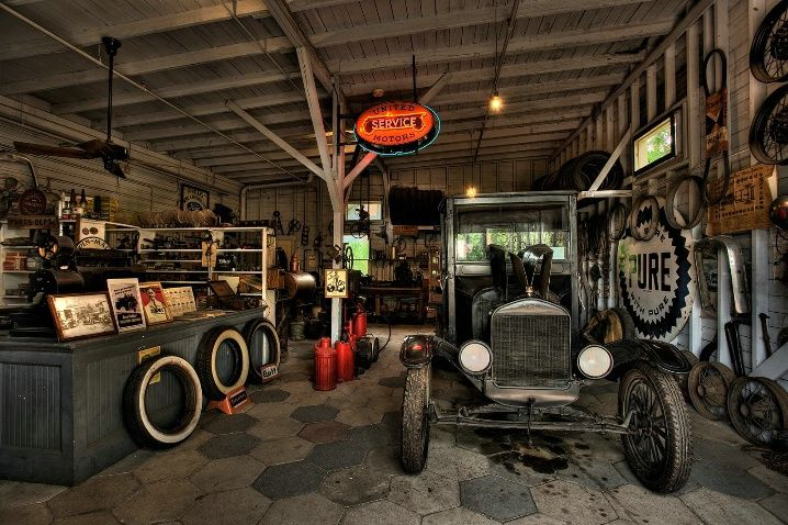 Http Www Ihdwal Com Wp Content Uploads 2013 11 Old Car Garage