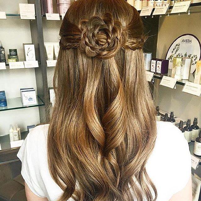 Flower braid by @redbloomsalon 🌸