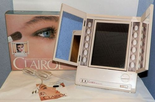 Deluxe Clairol True To Light Lighted Make Up Vanity Mirror With