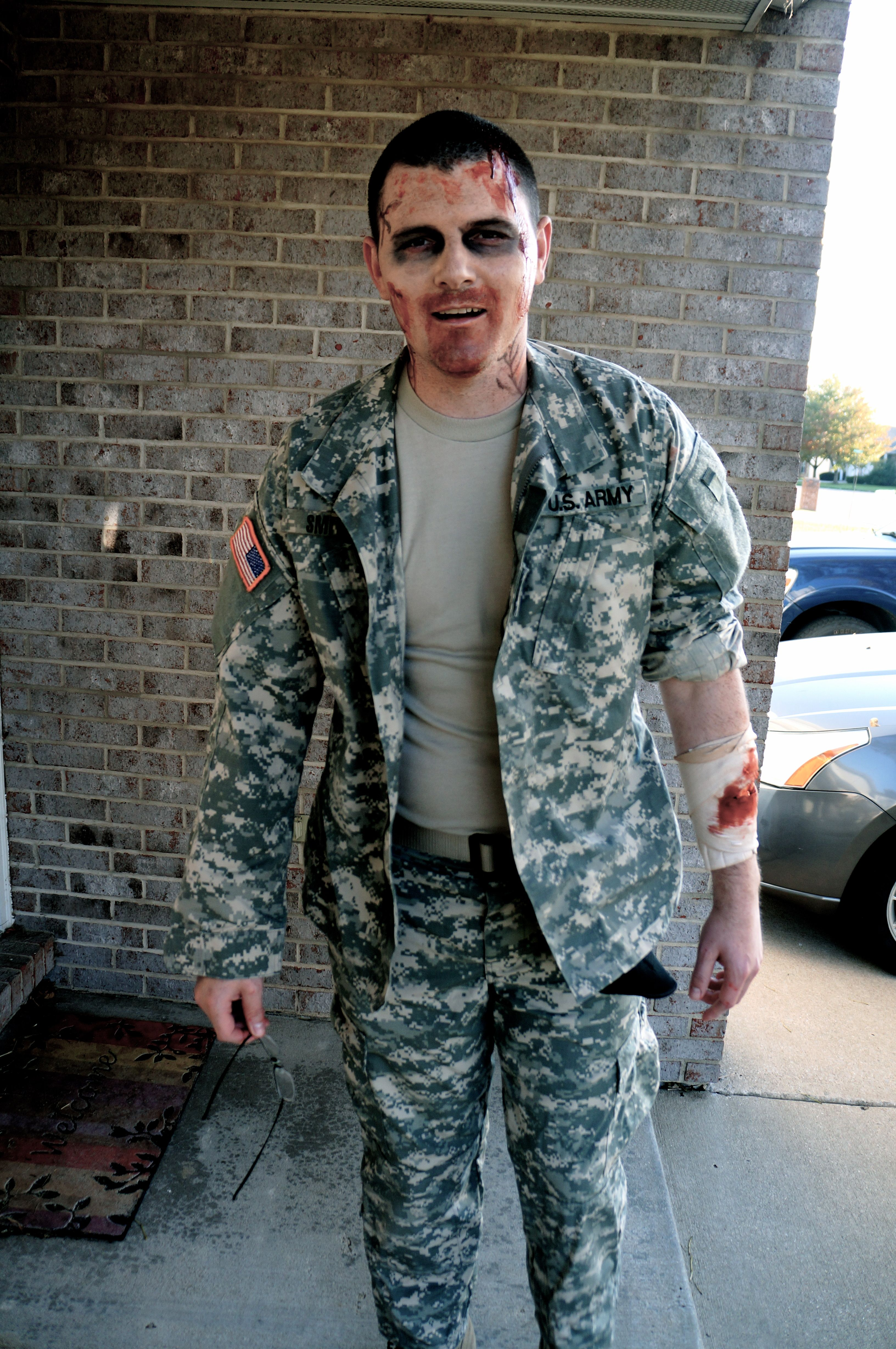 Zombie soldier. #halloweeen #zombie #costume  sc 1 st  Pinterest & Zombie soldier. #halloweeen #zombie #costume | Holiday Decorations ...