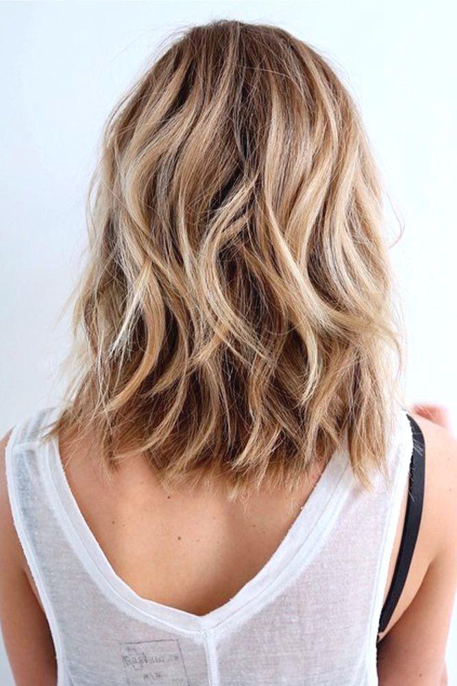 20 Modische Mittellange Frisuren Fur Den Herbst Mittleres Haar Ideen Naturlich Gewelltes Haar Wellen Haare Frisur Dicke Haare