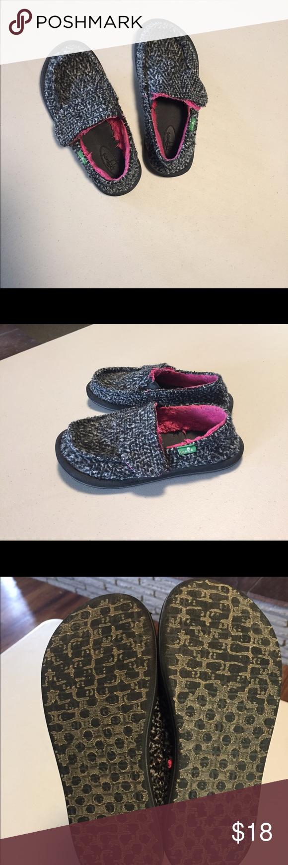 Little Girls Sanuks Size 12 Little Girls Sanuks, very clean Sanuk Shoes Moccasins