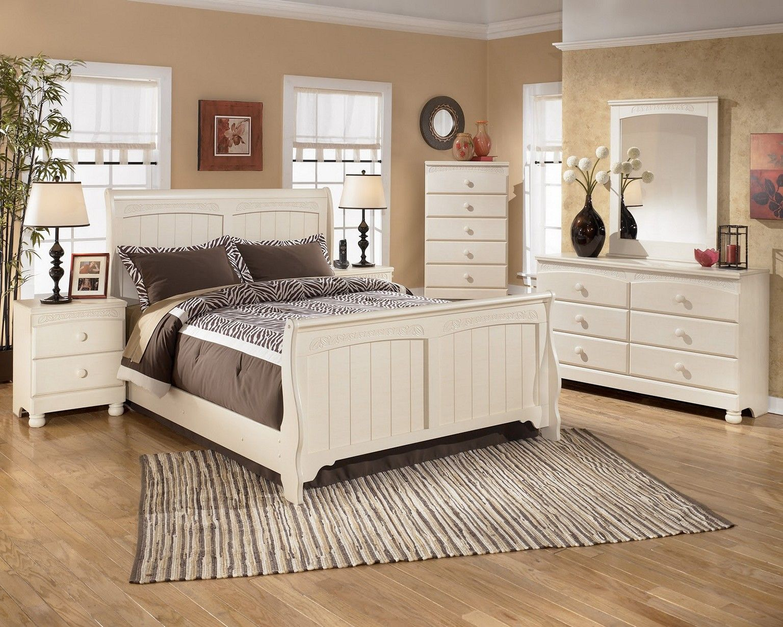 Bedroom Furniture Sets Shabby Chic   Replacing The Furniture And When  Redecorating Your House, Youu0027ve Got To Look At Every In