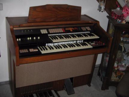 e orgel piano klavier holz in baden w rttemberg donaueschingen musikinstrumente und. Black Bedroom Furniture Sets. Home Design Ideas