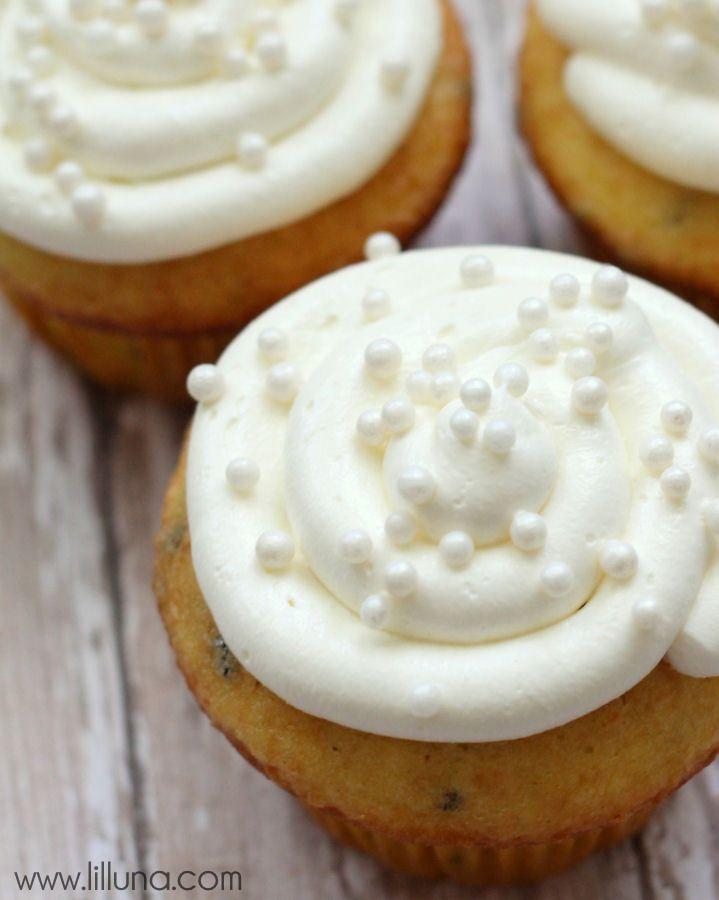 Marshmallow Frosting #marshmallowflufffrosting