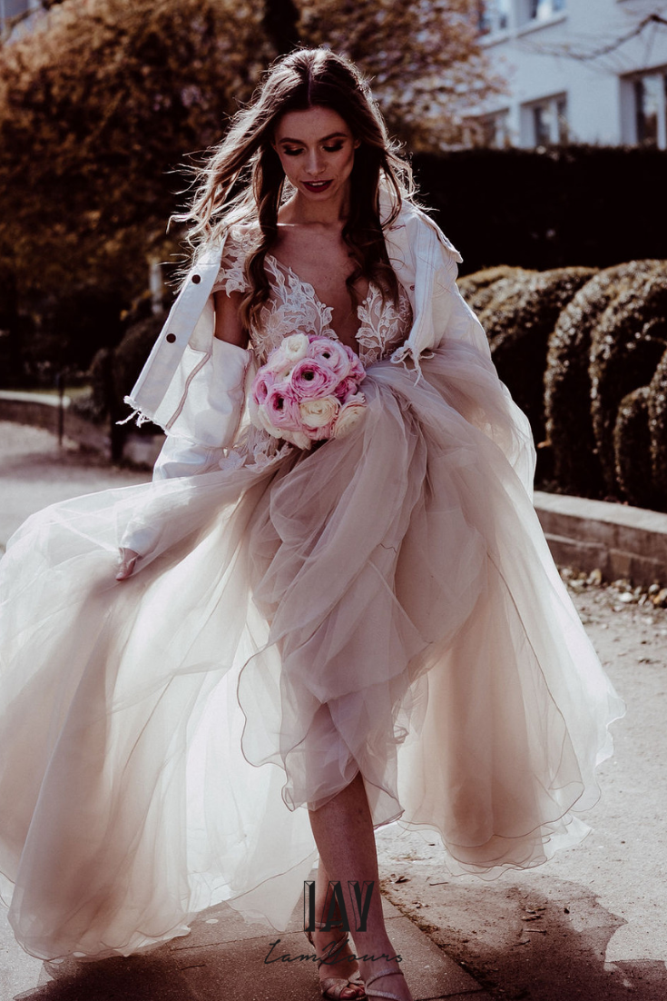 dress @iamyours pc @sophianoellewedding ganze Story auf