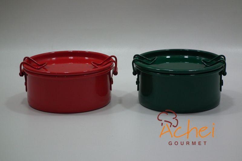 Marmitas em alumínio da Achei Gourmet são ideais para chocotone, brownie ,brigadeiros e docinhos caseiros nas medidas 8cmX4,5cm - 10cm X5cm - 12cmX5cm www.acheigourmet.com.br achei@acheigourmet.com.br