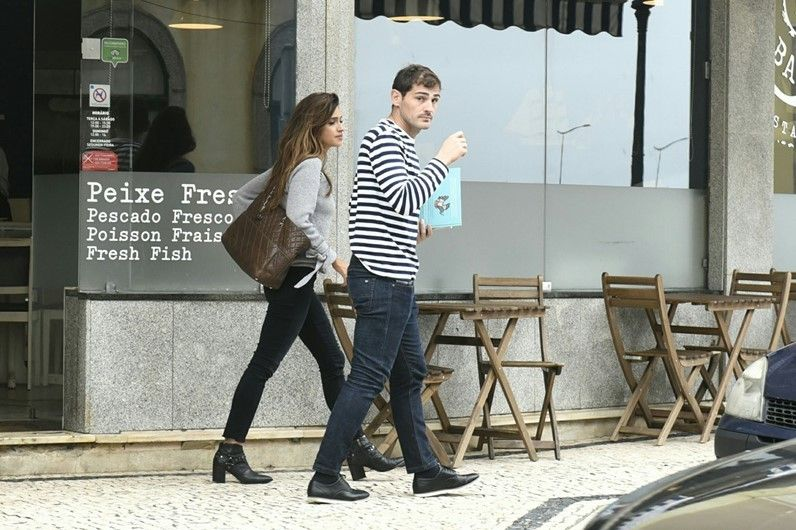 Iker Casillas y Sara Carbonero en las calles de Porto #WAG #Farandula