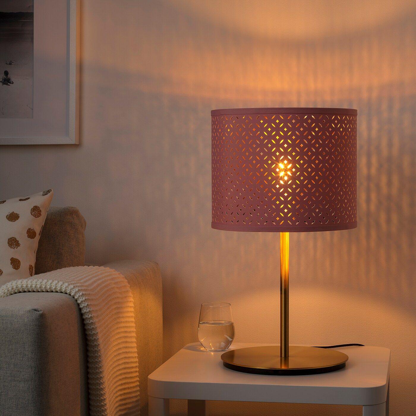Nymo Skaftet Tischleuchte Dunkelrot Messing Messing Ikea Osterreich In 2020 Lampenschirm Lampentisch Ikea Lampen