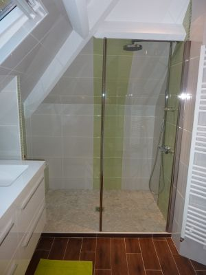 Douche litalienne sous combles montrez nous votre douche litalienne salle de bain sous - Deco italienne maison ...