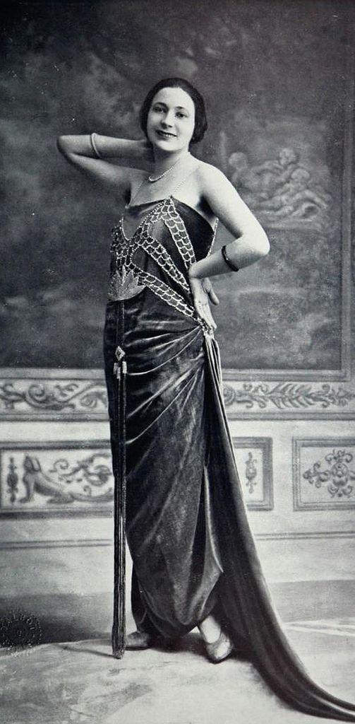 Les Modes (Paris) December 1921 robe du soir par Dorat