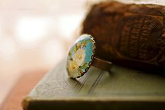 Ivory rose glass picture ring